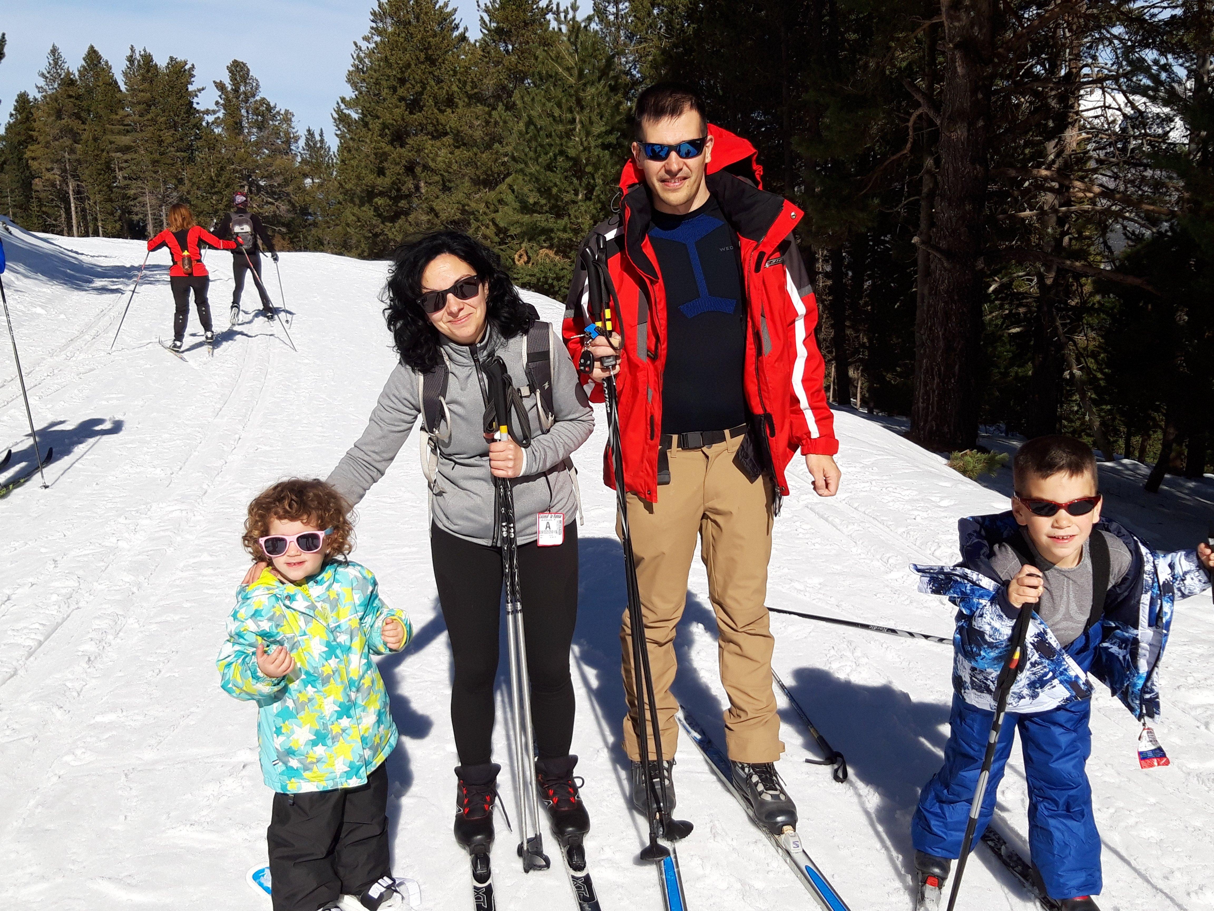 10 razones para probar el esquí de fondo clásico con peques
