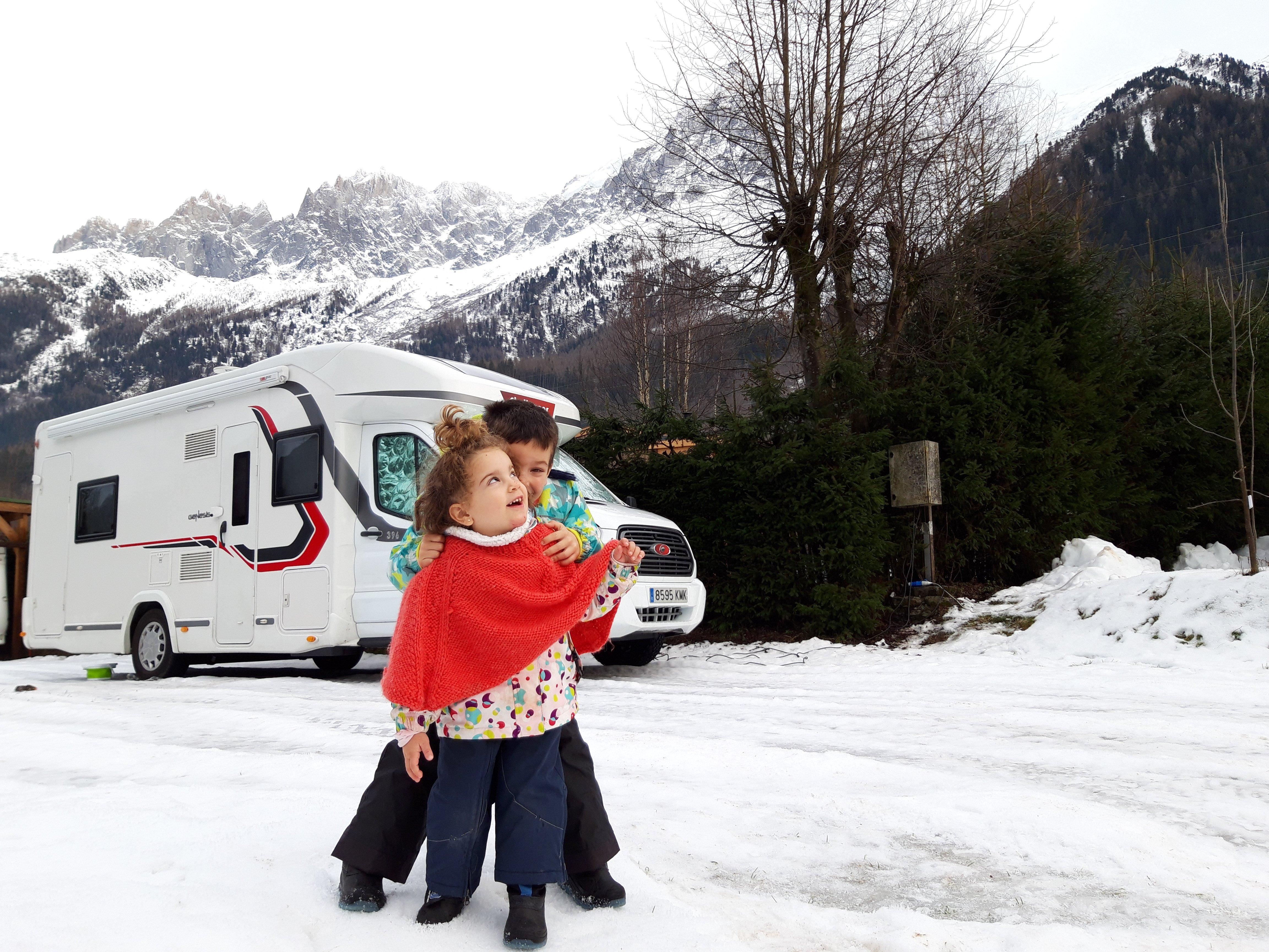 A la nieve en autocaravana. ¡Lo que nunca debes hacer!