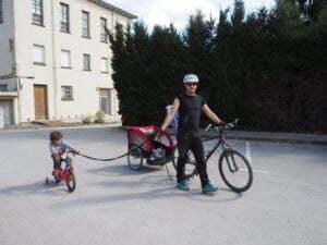 Bici con ruedines+ carro = full equipe