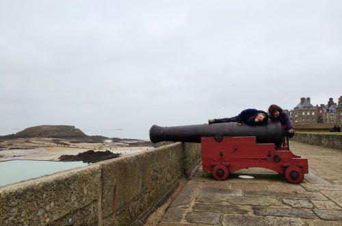 Saint-Malo, cañones en los muros