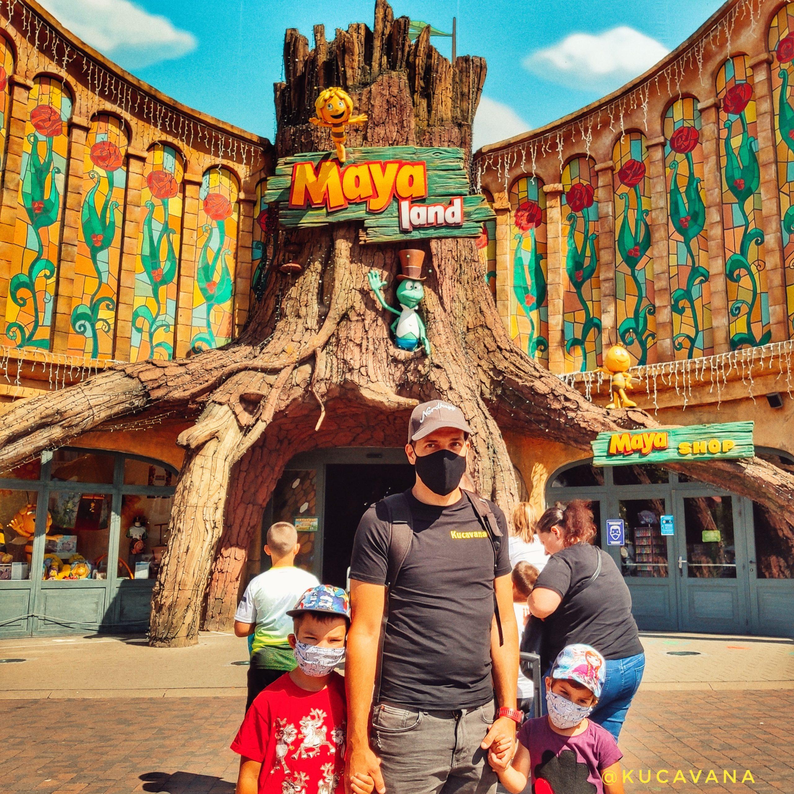 abeja maya y willy con su parque de atracciones