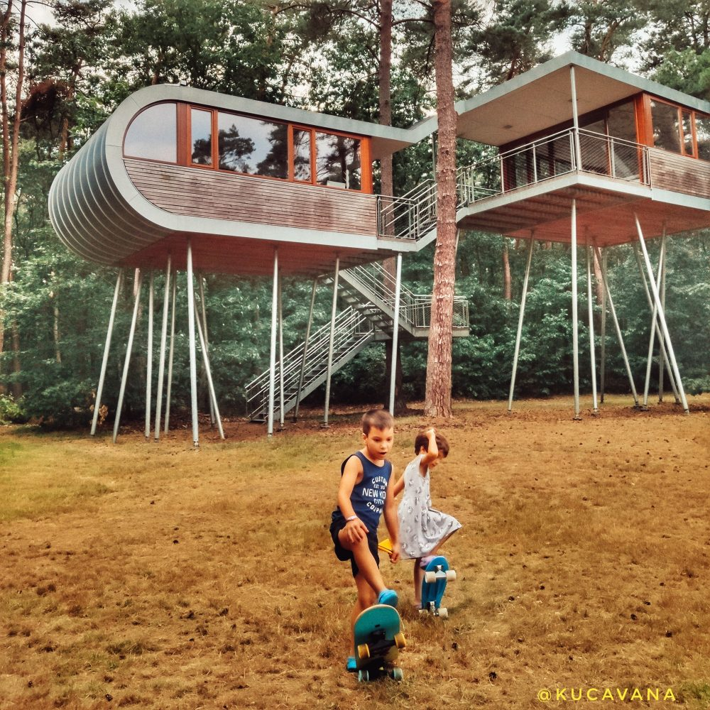 Bosland Limburg casa del arbol moderna