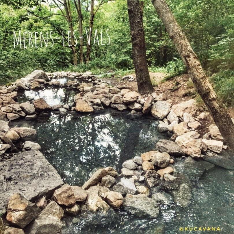 Las termas naturales en Francia más salvajes. Merens les Vals aguas sulfurosas y ermita románica