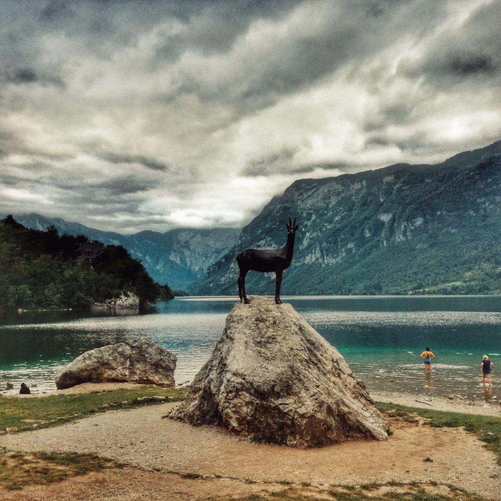 Bohinj lago (zona más turistica). Eslovenia en furgoneta camper