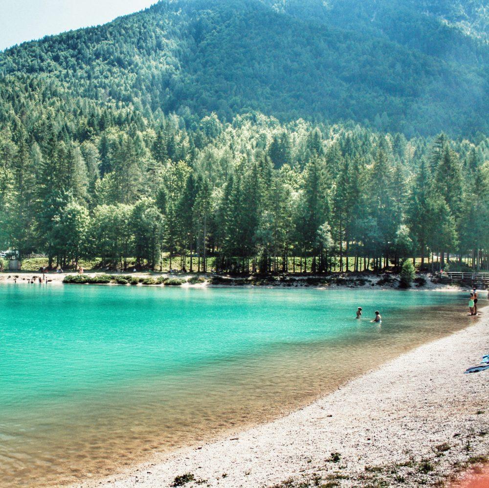 Kransja Gora (Jezero Jasna) de ruta por Eslovenia en autocaravana