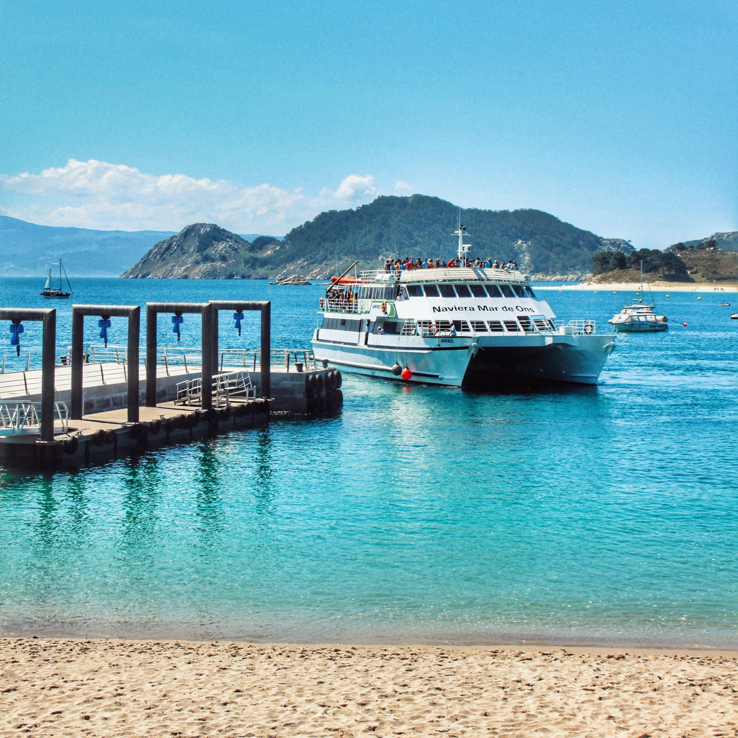 En este momento estás viendo Descubre las Islas Cíes en tu ruta por Galicia en autocaravana o camper