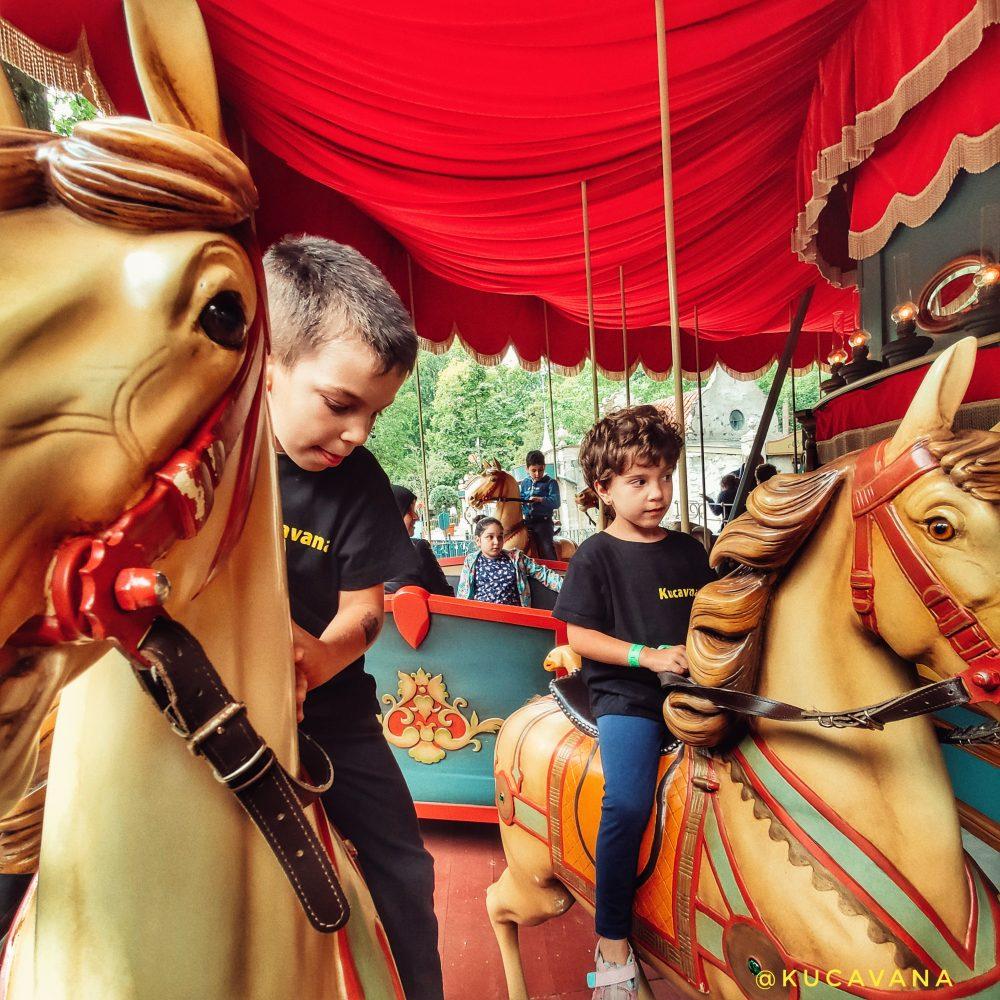 Efteling con niños parque de atracciones Holanda