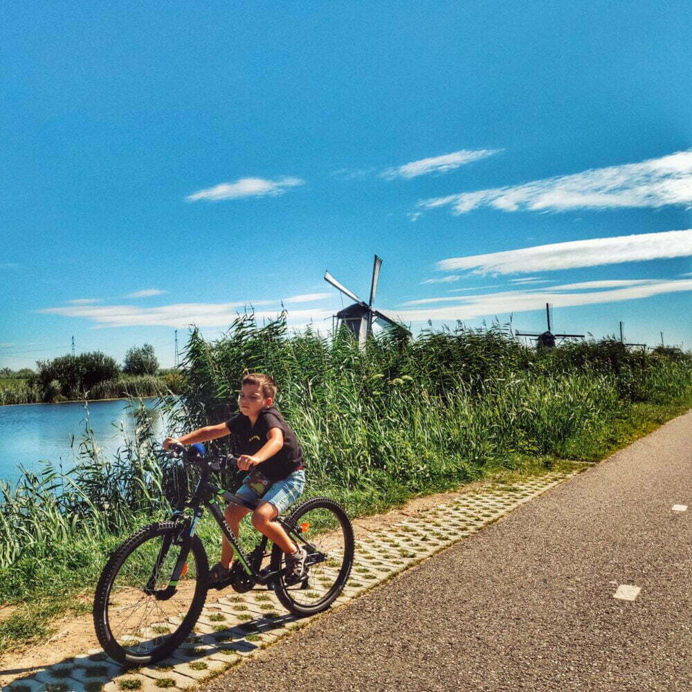 En bicicleta Kinderdijk en autocaravana o camper