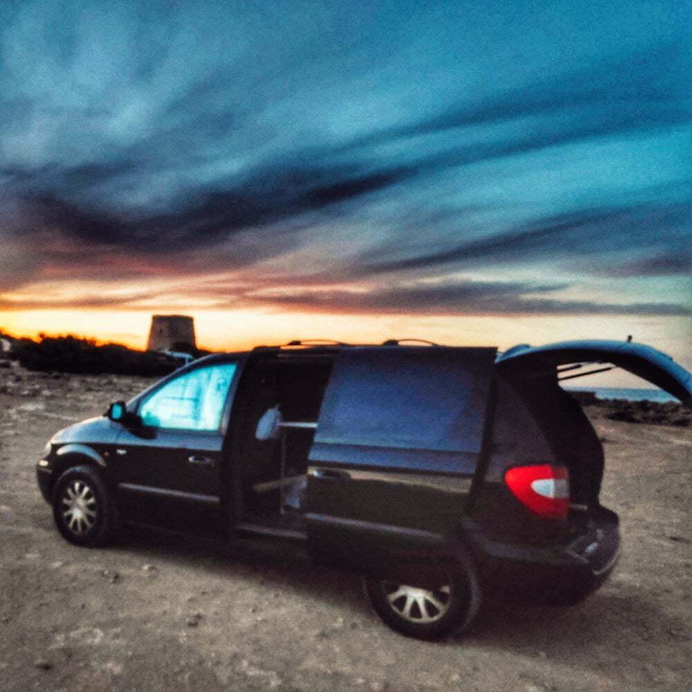 Ibiza en furgoneta camper Punta Farallons