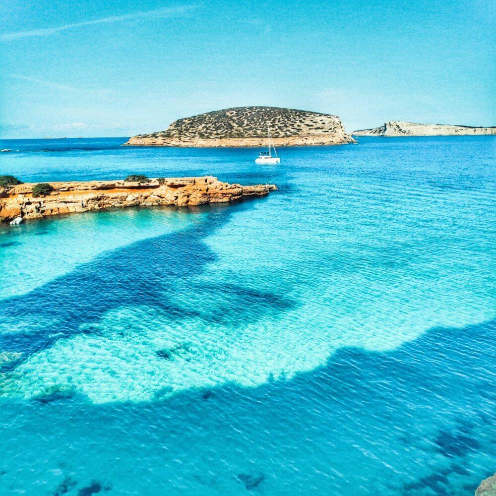 Ruta de Cala Comte a Cala Escondida en nuestro viaje a Ibiza en autocaravana camper