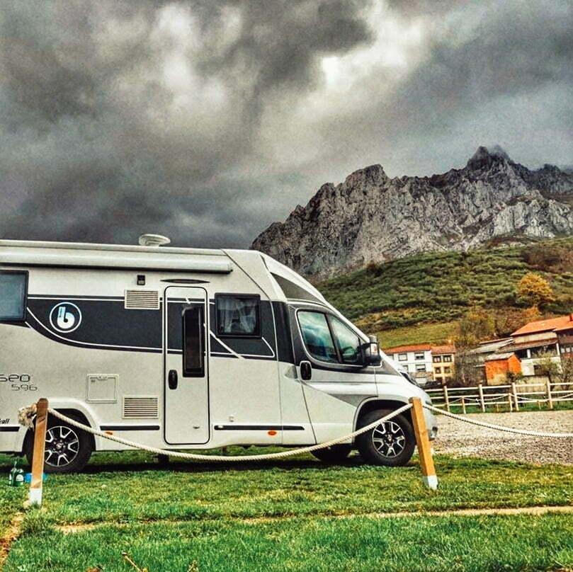 Wohnmobilbereich, der von spanischen Wohnmobilen am meisten empfohlen wird: Wohnmobilbereich Posadas de Valdeón (León). Foto mit freundlicher Genehmigung von @autocaravanskull