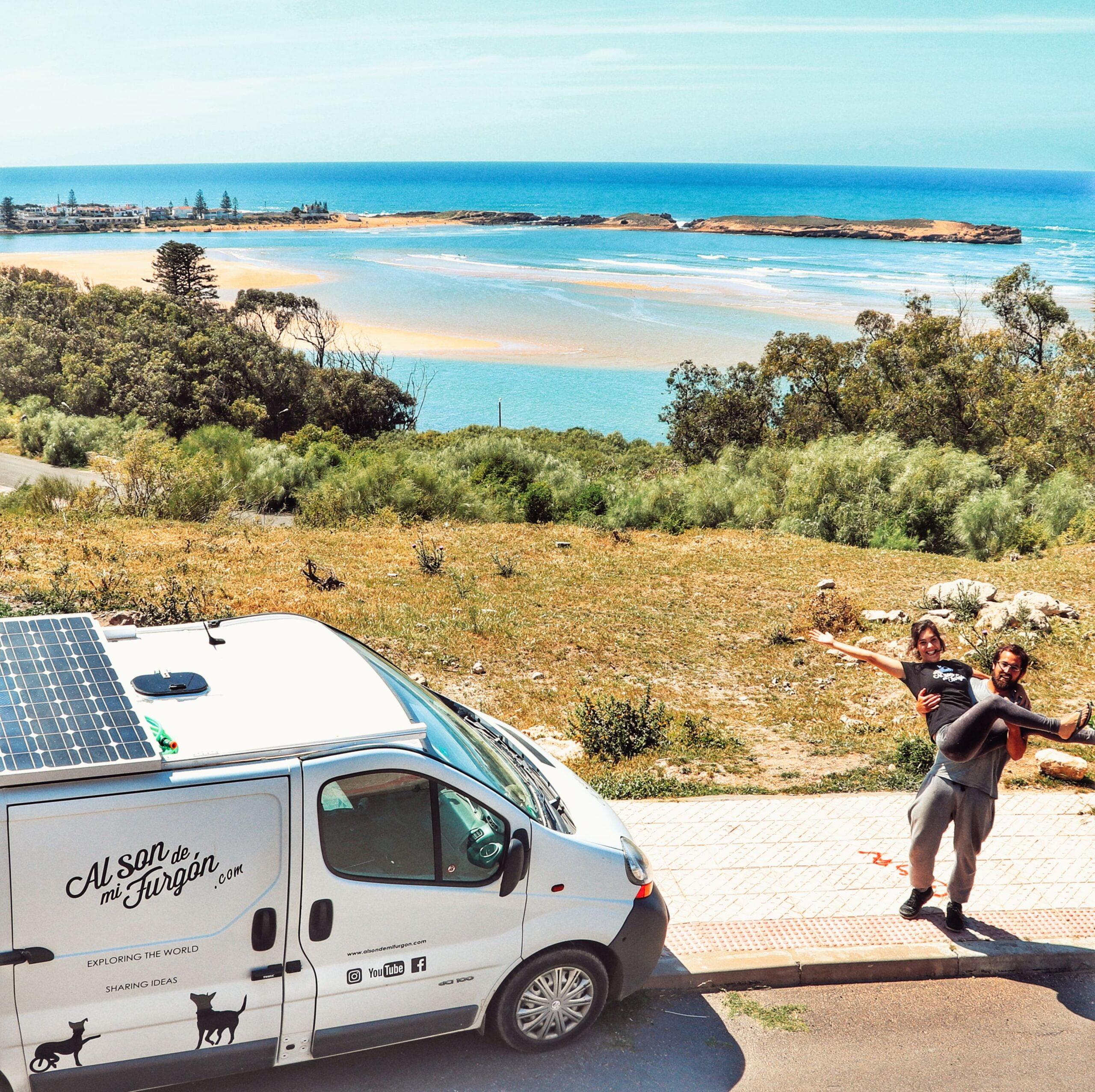 Lee más sobre el artículo Costa Atlántica de Marruecos en autocaravana por los youtubers Al Son de Mi Furgón