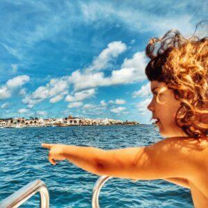 Fornells en autocaravana, uno de los pueblos más bonitos de Menorca ¡y con langosta de postre!