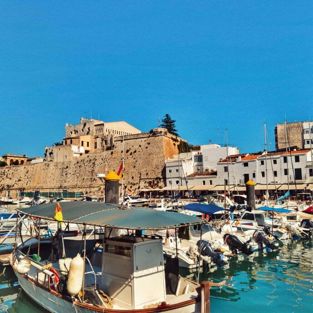 El port de la Ciutadella de Menorca en autocaravana