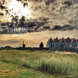 Lee más sobre el artículo Volendam, playa y pueblo pesquero