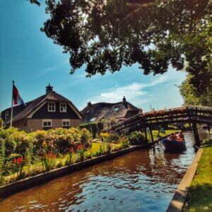 Llegeix més sobre l'article Giethoorn, la Venècia holandesa i un dels pobles més bonics de Països Baixos