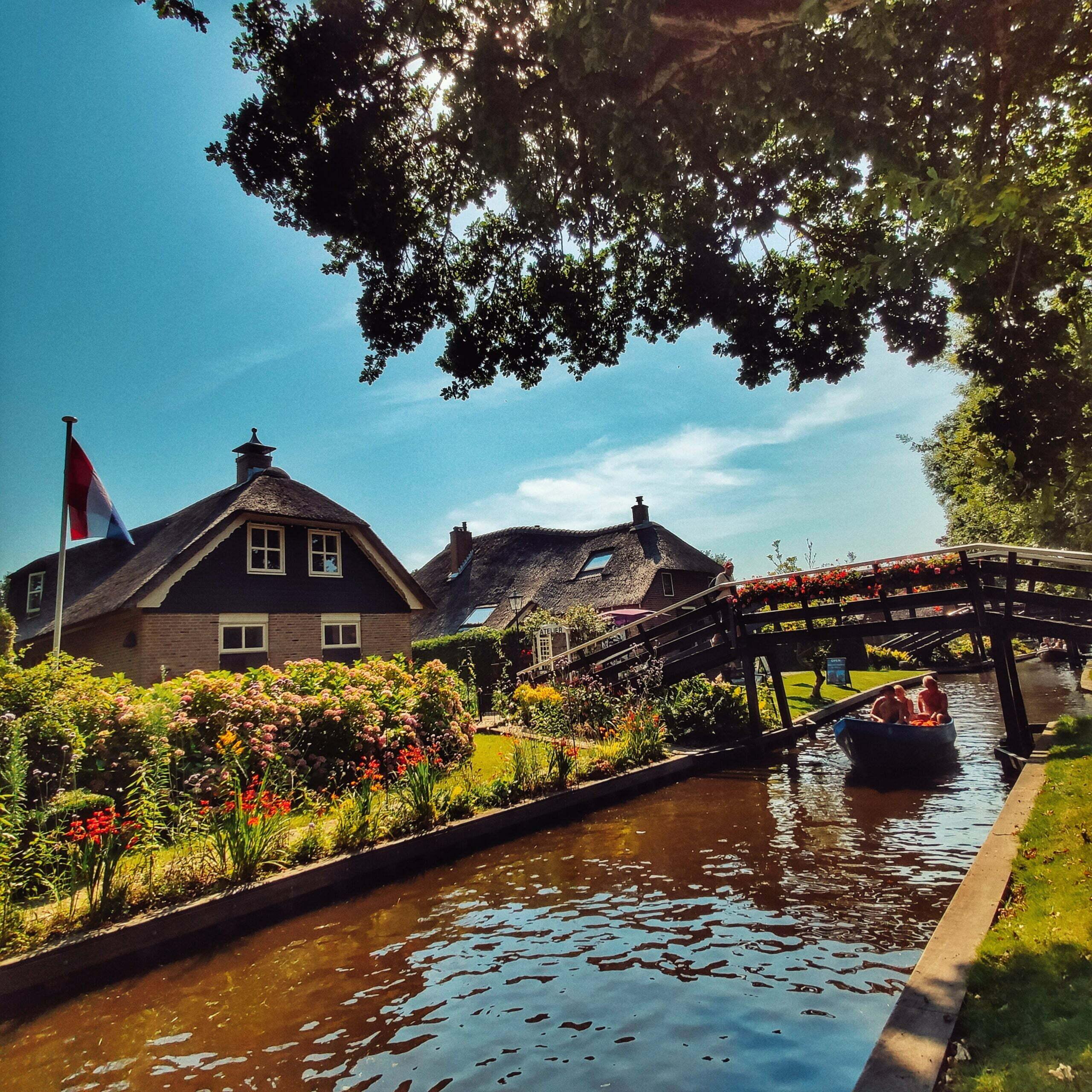 Lire la suite de l'article Giethoorn, la Venise hollandaise et l'un des plus beaux villages des Pays-Bas