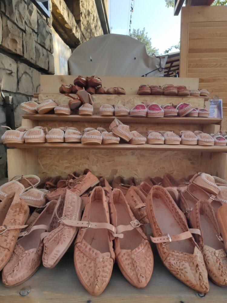 Zapatos típicos de Zakopane y los Montes Tatras em Polonia
