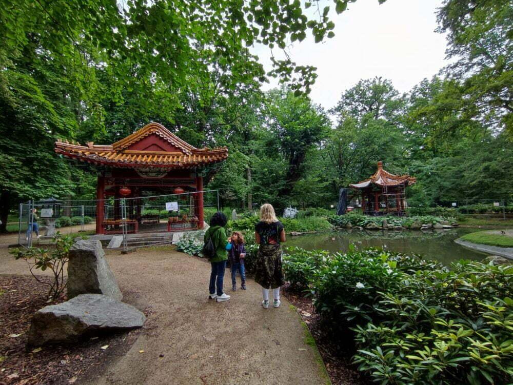 Jardín Chino del Parque Real Lazienki en Varsovia