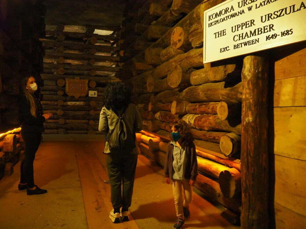 Visita a la mina de sal en Polonia de Wieliczka en español