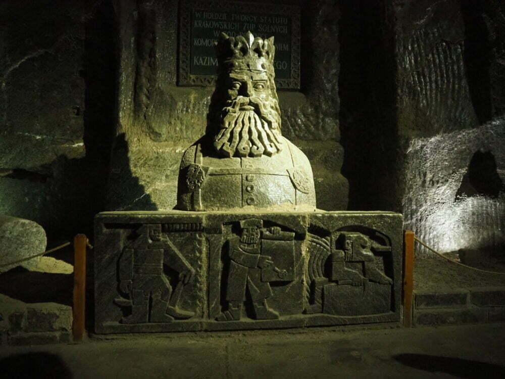 El rey de Polonia de sal de los mineros de la mina de sal en Polonia de Wieliczka