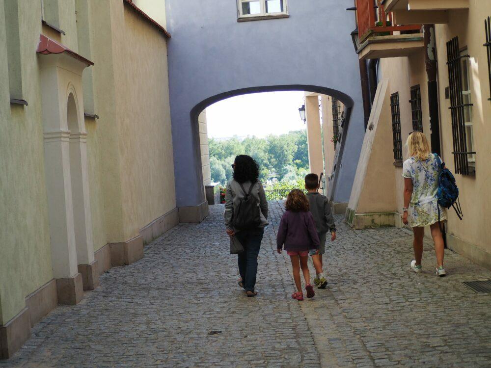 Callejón del casco antiguo de Varsovia