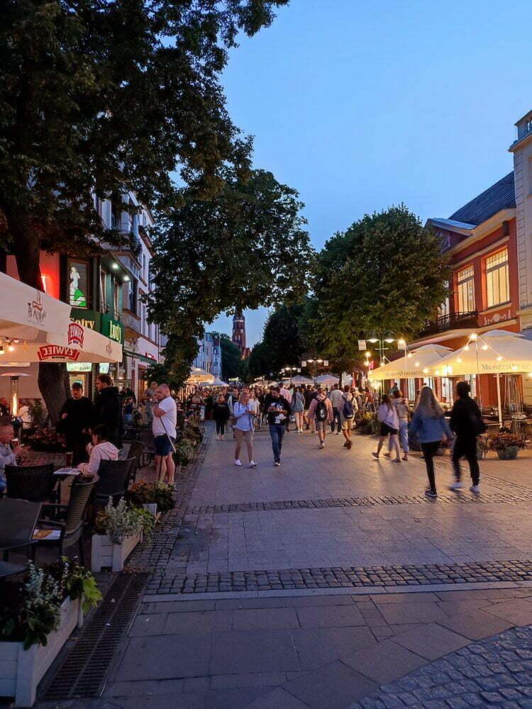 La principal calle turística y comercial de Sopot